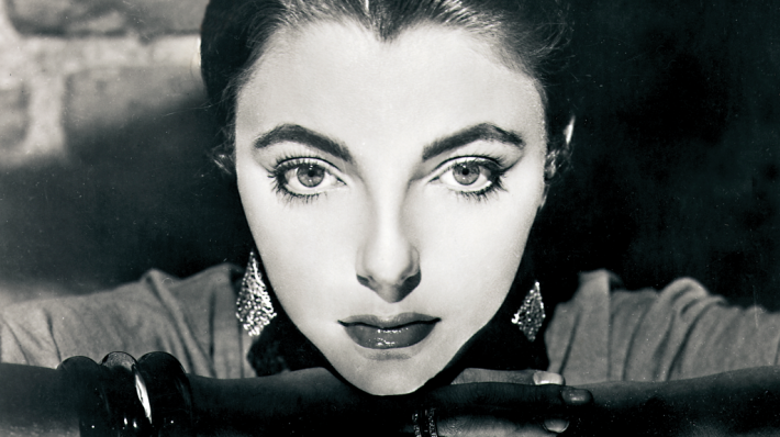Photo Noir - portrait of Joan Collins by Cornel Lucas